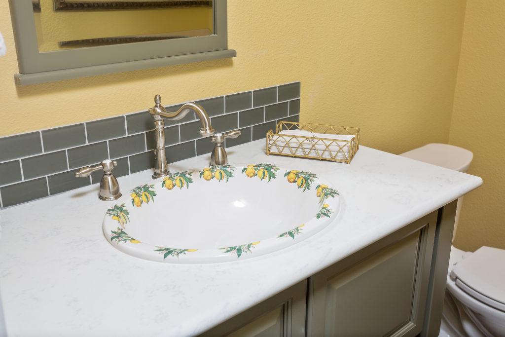 Traditional Powder Bathroom - Anchorage, AK